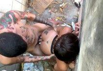Enrabando Novinha No Beco Da Favela